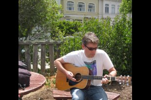 Kalt, Garden Guitarist